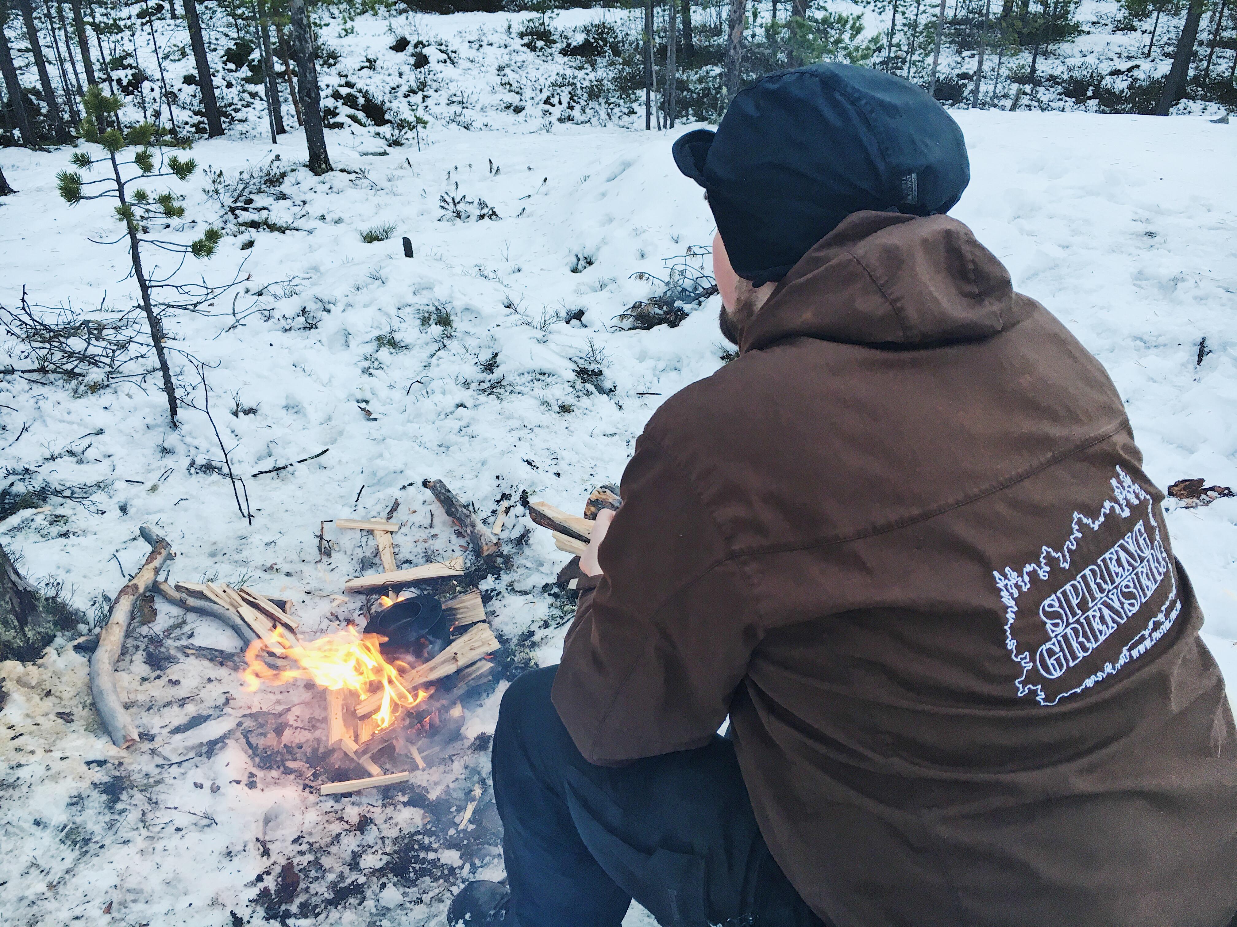 Jens Kristian Baustad ved bålet